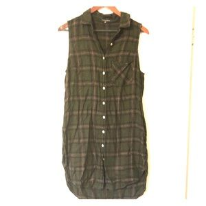 Cute Button-Down Long Sleeveless Shirt